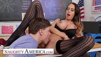 Cette prof est une vraie perverse